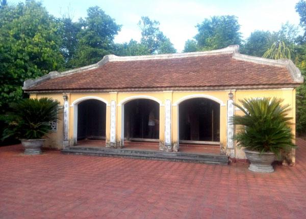 Bình yên ở làng cổ nơi miền sơn cước Quảng Nam Nhà lưu niệm Cụ Huỳnh Thúc Kháng, một địa chỉ thường xuyên được nhiều người tìm đến tại làng cổ này.