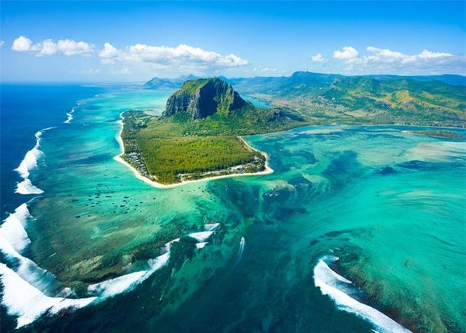 11 hòn đảo kỳ lạ trên thế giới ẩn chứa nhiều bí mật ảnh 2
