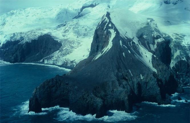 11 hòn đảo kỳ lạ trên thế giới ẩn chứa nhiều bí mật ảnh 4