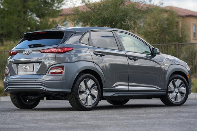 9. Hyundai Kona Electric (phạm vi hoạt động/lần sạc: 415 km).