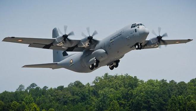 Máy bay vận tải quân sự C-130
