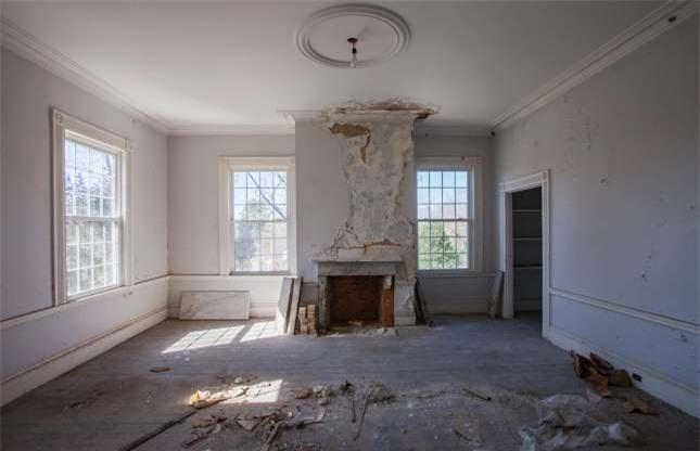 Ngôi biệt thự bỏ hoang bí ẩn với truyền thuyết được xây dựng trên đống vàng 10