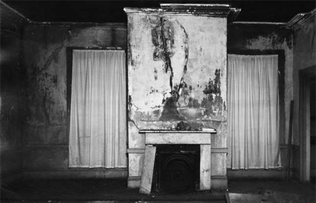 Ngôi biệt thự bỏ hoang bí ẩn với truyền thuyết được xây dựng trên đống vàng 9