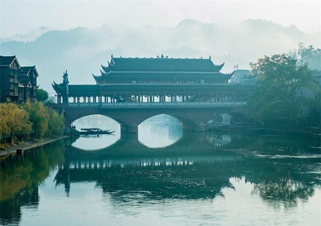 Truyền thuyết những cây cầu ở Phượng Hoàng cổ trấn 3