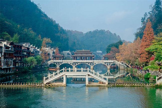 Truyền thuyết những cây cầu ở Phượng Hoàng cổ trấn 4
