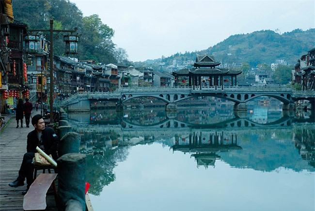 Truyền thuyết những cây cầu ở Phượng Hoàng cổ trấn 5