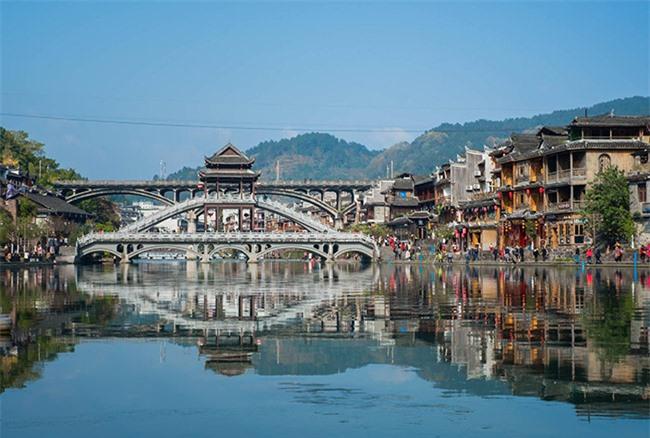 Truyền thuyết những cây cầu ở Phượng Hoàng cổ trấn 7