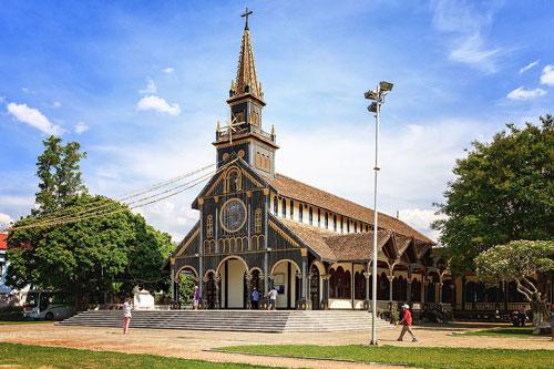 CLIP: Khám phá 10 địa điểm du lịch nổi tiếng tại Kon Tum