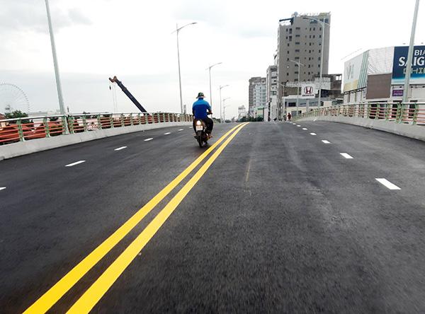 Từ ngày 14/7, các phương tiện bắt đầu được lưu thông trên cầu vượt đường 2 Tháng 9