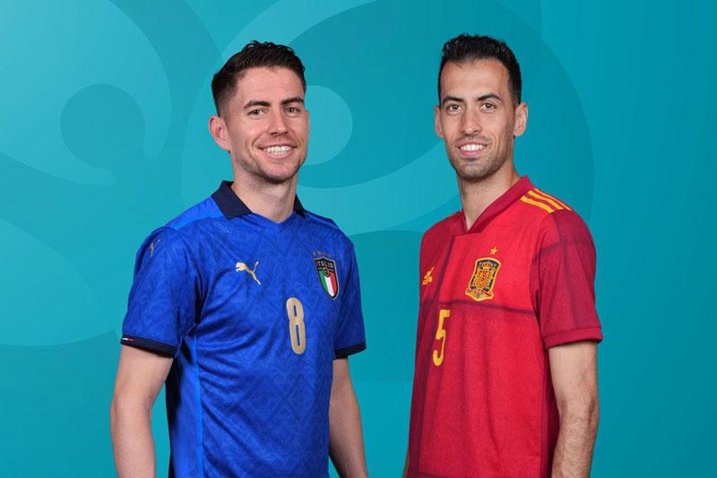 Màn đối đầu giữa Jorginho với Busquets (phải) rất đáng chú ý.