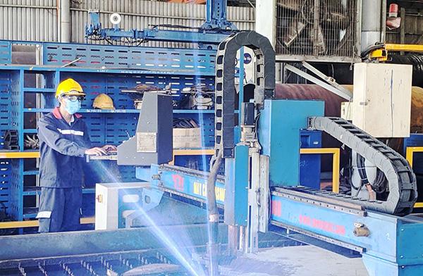 Công ty Cơ khí Hà Giang Phước Tường, một trong các doanh nghiệp đi đầu ở Đà Nẵng trong lĩnh vực chế tạo các kết cấu thép có yêu cầu đặc biệt