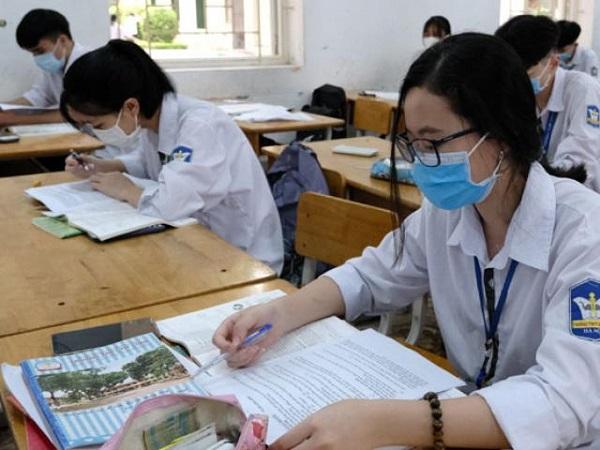 Bộ Giáo dục sẽ điều chỉnh lịch xét tuyển đại học, cao đẳng mầm non do tác động của Covid-19.