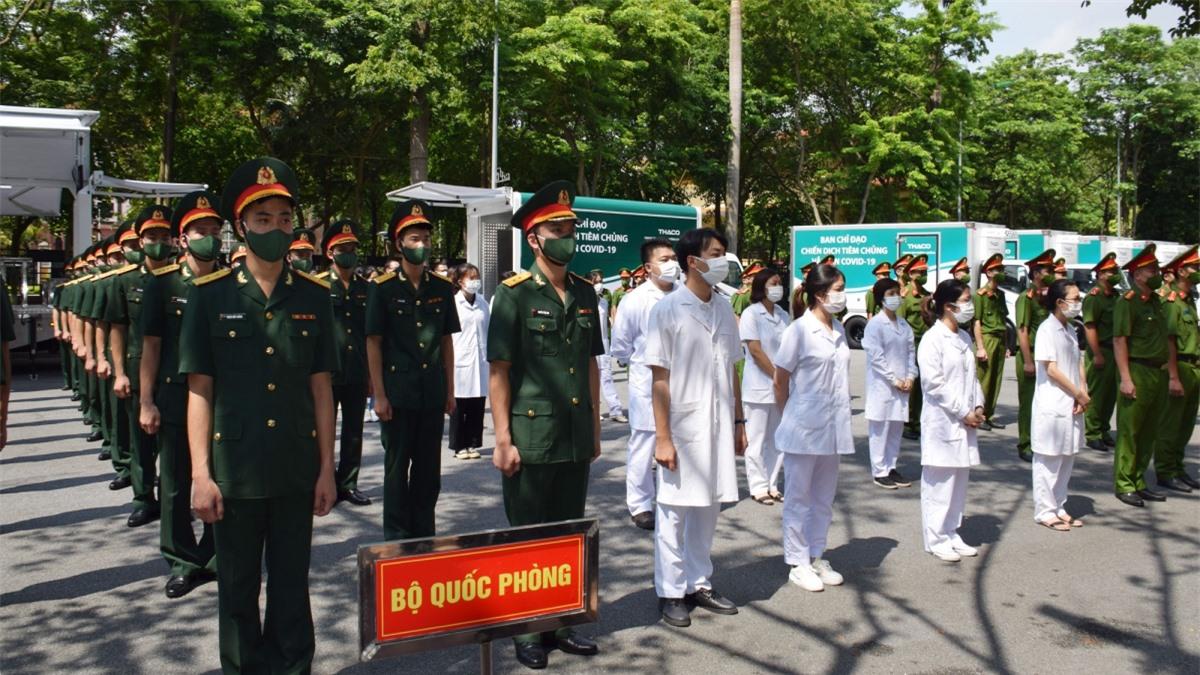 Các lực lượng tham gia chống dịch tại Lễ phát động