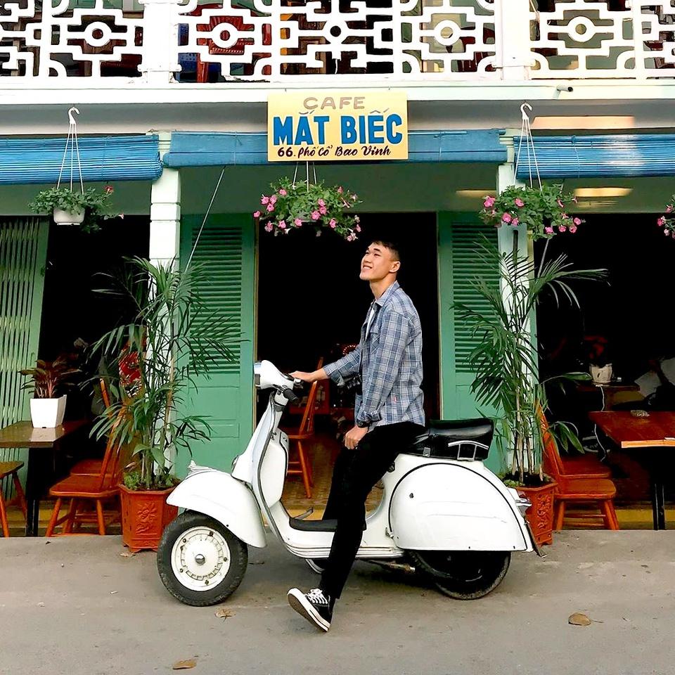 Phố cổ Bao Vinh là một khu phố cổ nằm ven sông, trước thuộc xã Hương Vinh, thị xã Hương Trà, nay thuộc phường Hương Vinh, TP Huế. Nơi đây được các cấp địa phương có kế hoạch quan tâm bảo tồn, đưa vào khai thác du lịch. Ảnh: Duy Lê.