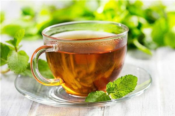 4 loại trà thảo mộc giảm đau đầu