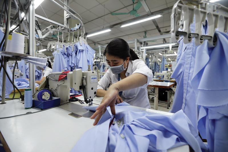 Doanh nghiệp dệt may gặp nhiều khó khăn vì đơn hàng giảm.