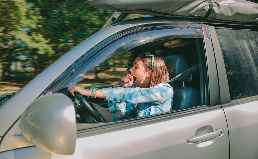 Bên cạnh đó, lo ngại về tác động xấu đến môi trường cũng là lý do khiến những người trẻ tuổi không muốn mua xe hơi. Ảnh: NBC News.