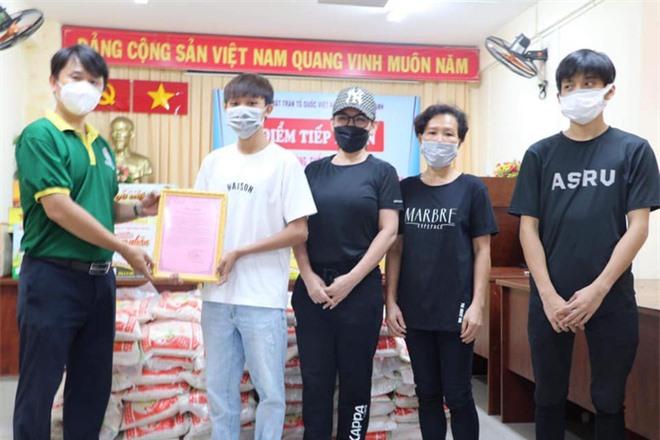 Hồ Văn Cường lộ diện sau loạt ồn ào với Phi Nhung - Ảnh 3.