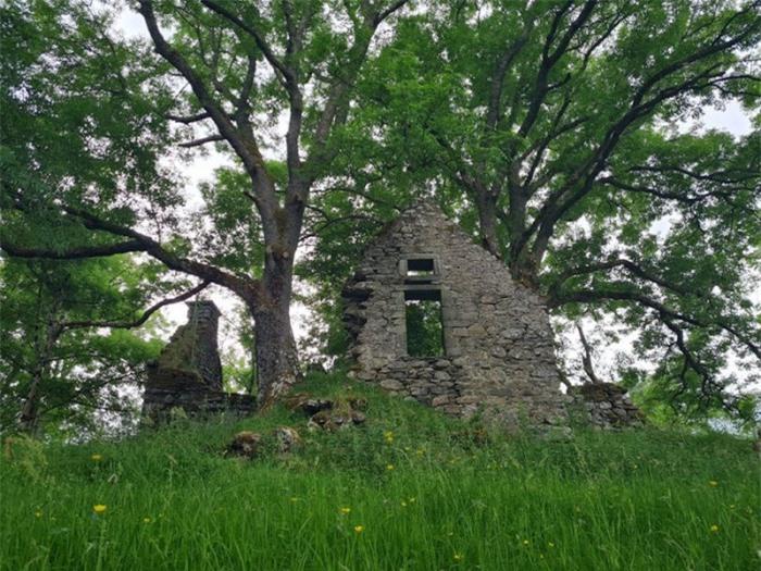 Ngôi làng đầy tàn tích cổ xưa nổi tiếng với những lời tiên tri chuẩn xác 7