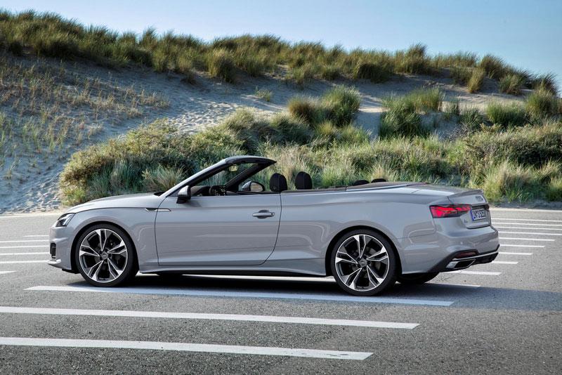 1. Audi A5 Cabriolet 2021 (giá khởi điểm: 42.845 USD).