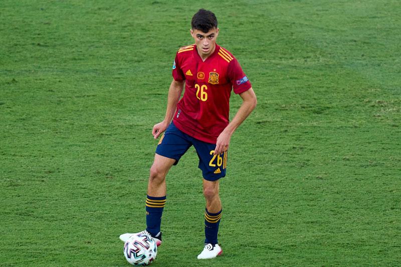 =1. Pedri (Tây Ban Nha, CLB: Barcelona, giá trị hiện tại: 80 triệu euro, mức tăng: 10 triệu euro).