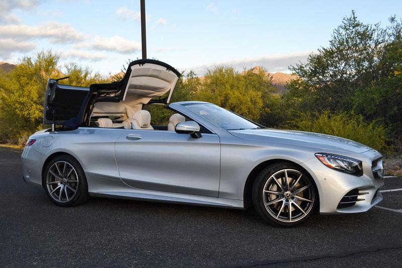 2. Mercedes-Benz S-Class Cabriolet 2021 (giá khởi điểm: 110.850 USD).