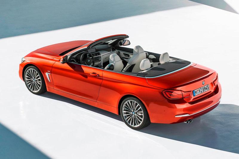 8. BMW 4 Series Convertible 2021 (giá khởi điểm: 46.595 USD).