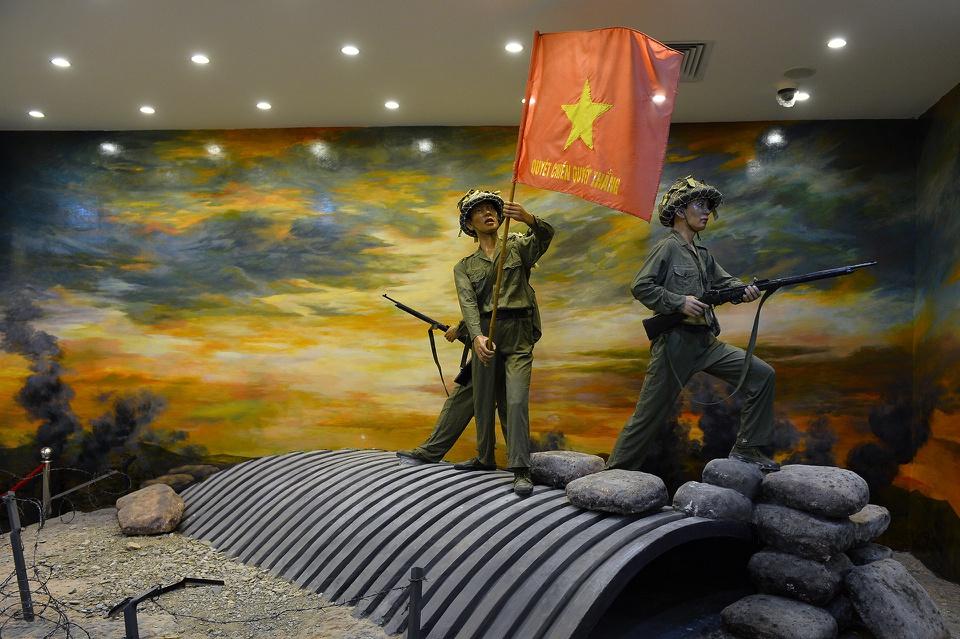 Bảo tàng Chiến thắng lịch sử Điện Biên Phủ là điểm đến hấp dẫn tại TP Điện Biên Phủ, tỉnh Điện Biên. Năm 2014, kỷ niệm 60 năm Chiến thắng lịch sử Điện Biên Phủ, công trình bảo tàng giai đoạn I được khánh thành. Nơi đây tái hiện sinh động cuộc kháng chiến chống Pháp của dân tộc, điển hình là Chiến dịch Điện Biên Phủ năm 1954. Ảnh: N.K.