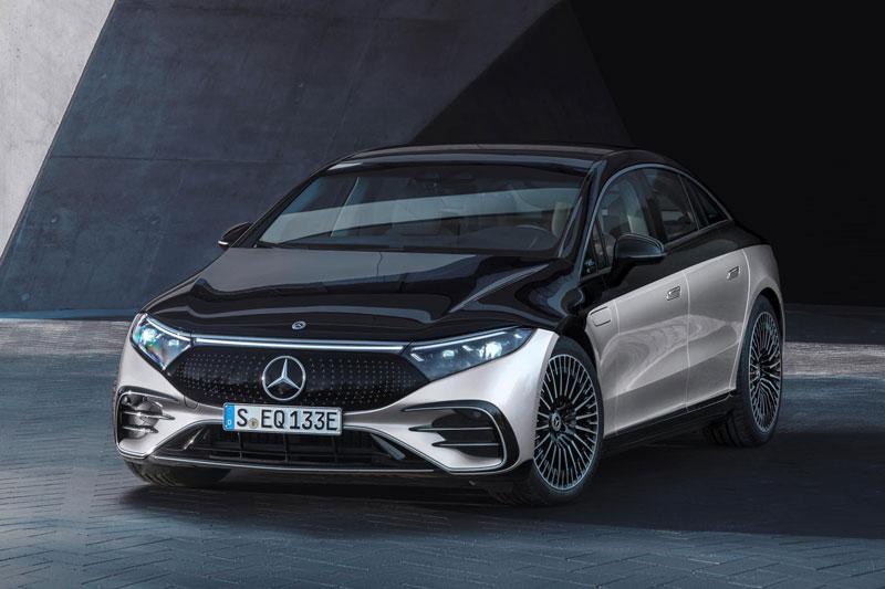6. Mercedes-Benz EQS.