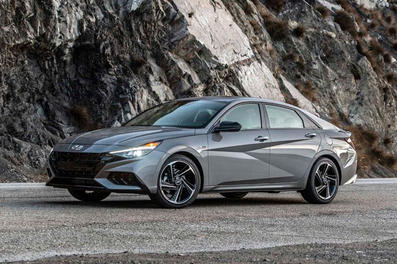 2. Hyundai Elantra 2021.