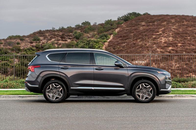 3. Hyundai Santa Fe 2021.