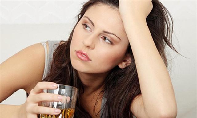 Sử dụng đồ uống có cồn làm tăng nguy cơ ung thư - Ảnh 3.
