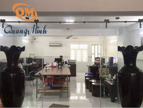 Công ty TNHH Dịch vụ Tư vấn Quang Minh.