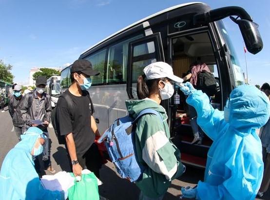 rung bắt đầu đưa đón các công dân của mình trờ về từ TP.HCM