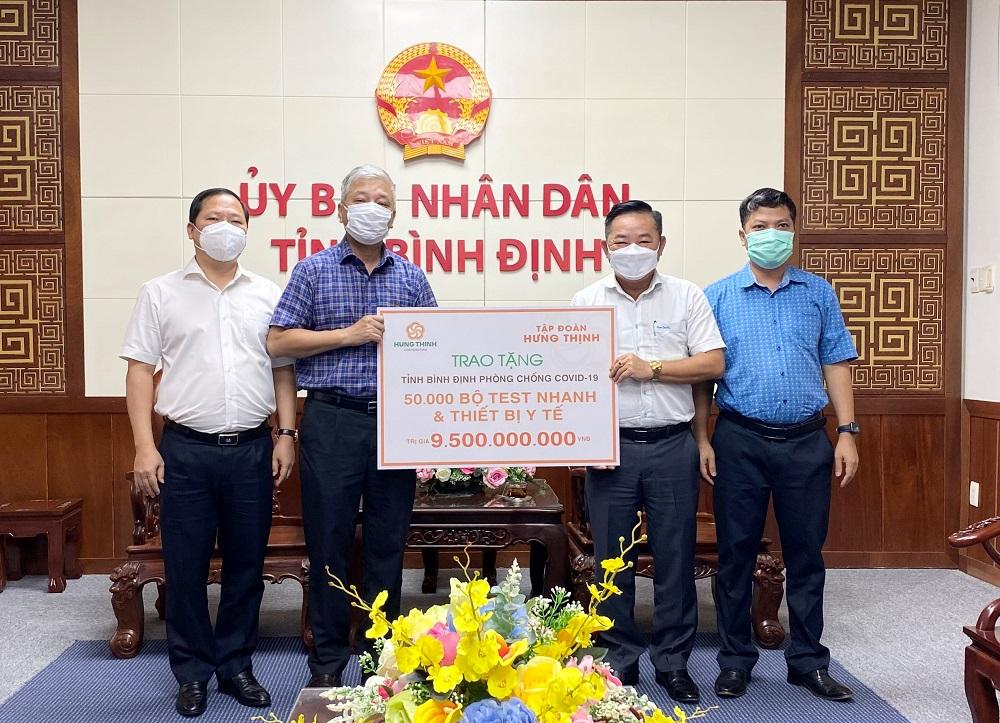 Tập đoàn Hưng Thịnh hỗ trợ trang thiết bị phòng chống dịch COVID-19 trị giá 9,5 tỷ đồng