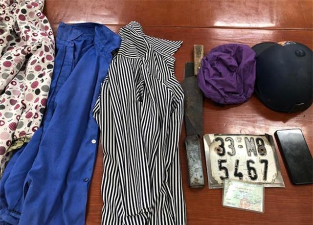 Hà Nội: Bắt giữ nhóm cướp 14, 15 tuổi chuyên dọa chém người, cướp tài sản - Ảnh 1.