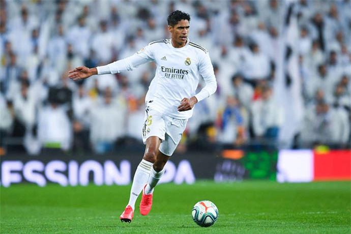 Varane sẽ mang tới sự chắc chắn cho hàng thủ Man United
