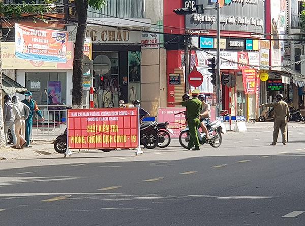 Đà Nẵng: Chấn chỉnh tình trạng chặn kiểm tra tất cả người ra đường một cách máy móc