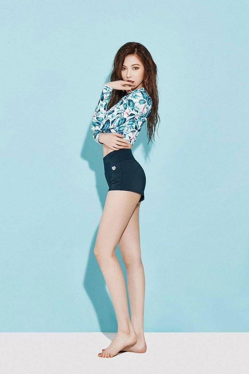 Hyuna có vóc dáng gợi cảm, vòng nào ra vòng nấy. Vốn theo style gợi cảm nên Hyuna thường chọn diện những bộ nội y táo bạo giúp phô bày triệt để lợi thế vóc dáng.