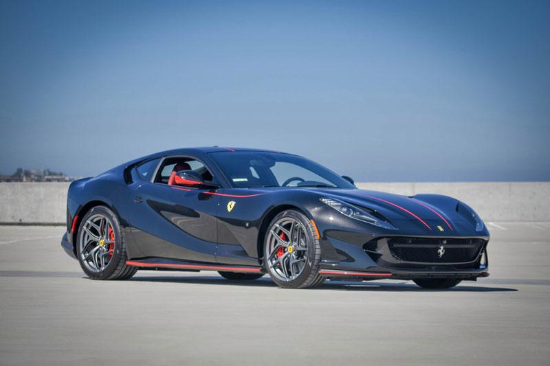 =1. Ferrari 812 Superfast (789 mã lực). 812 Superfast cũng dùng động cơ V12 với dung tích 6,3 lít, sản sinh sức mạnh 789 mã lực và sức kéo 719 Nm.