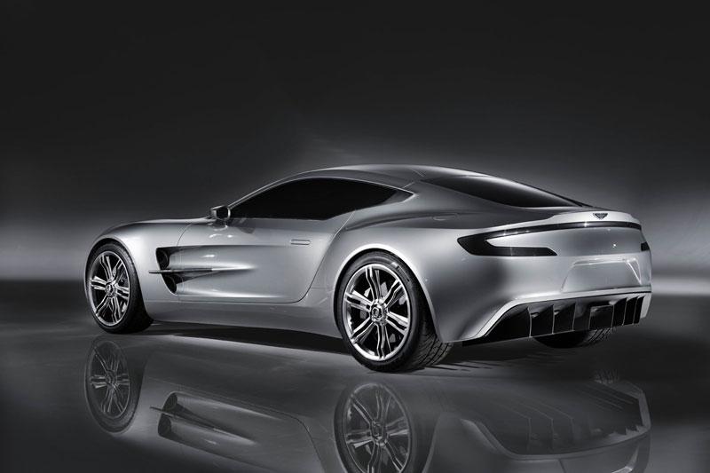 4. Aston Martin One-77 (750 mã lực). Khối động cơ V12 dung tích 7,3 lít của One-77 cho công suất tối đa 750 mã lực và mô men xoắn 749 Nm.