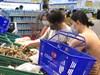 Nha Trang: Đóng cửa chợ truyền thống để khử khuẩn, người dân được phát phiếu đi siêu thị 4 ngày/lần