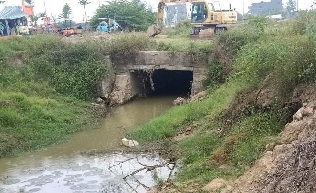 Cống nước vào dự án đã được DN nạo vét thông thoáng theo yêu cầu của chính quyền địa phương