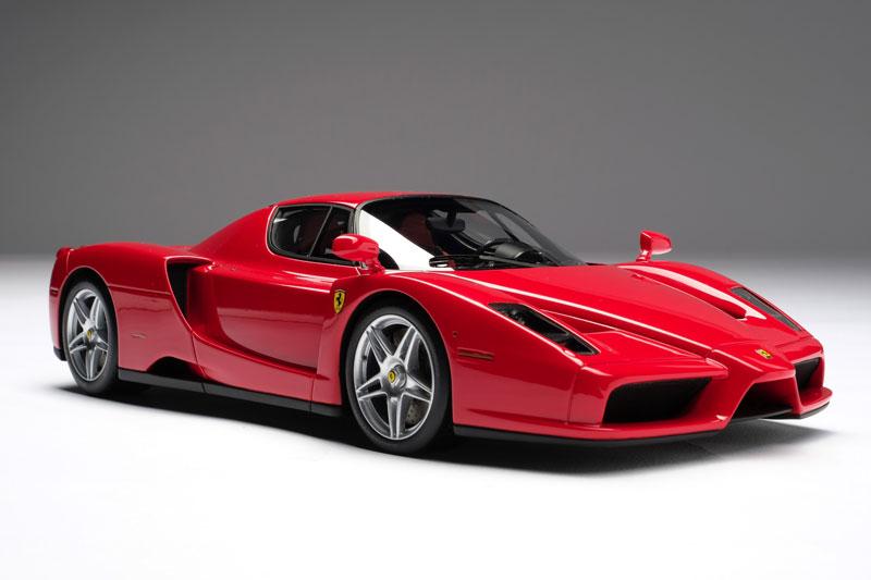 8. Ferrari Enzo (651 mã lực). Động cơ V12 dung tích 6 lít trên Enzo cho sức mạnh 651 mã lực, mô-men xoắn 657 Nm.