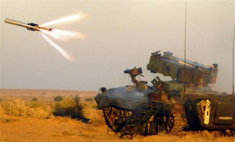 Theo những thông tin được công khai, NAG là sản phẩm của Cơ quan Nghiên cứu và Phát triển Công nghệ Quốc phòng Ấn Độ (DRDO). Tên lửa kết hợp hệ thống dẫn đường thụ động tiên tiến cùng khả năng tiêu diệt mục tiêu chính xác. Nó được thiết kế để phá hủy xe tăng hiện đại và những mục tiêu bọc thép hạng nặng.