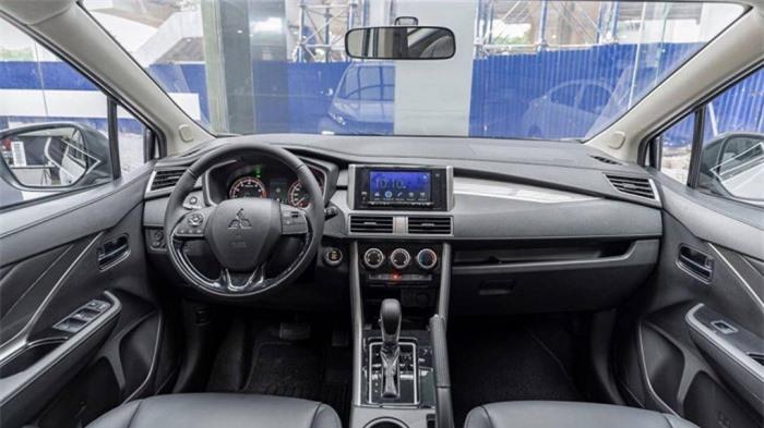 Mitsubishi Xpander giảm nửa doanh số nhưng vẫn bán chạy nhất phân khúc 3