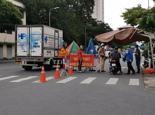 TP Hồ Chí Minh tăng cường mạnh mẽ các biện pháp chống dịch