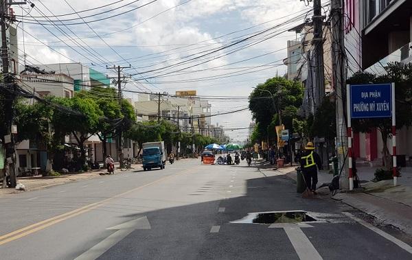 An Giang - Đồng Tháp: Hạn chế người dân ra đường sau 18h