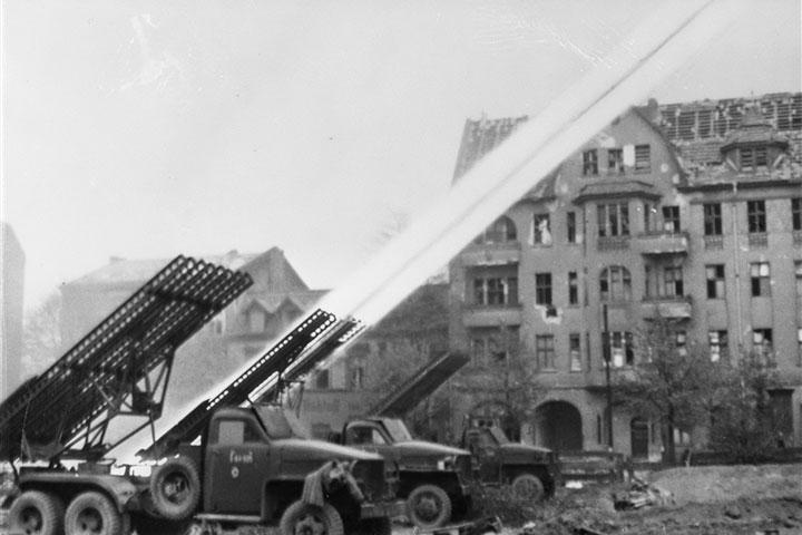 Lần đầu ra trận đã thắng lớn, Katyusha đã khiến quân Đức khiếp sợ như thế nào?