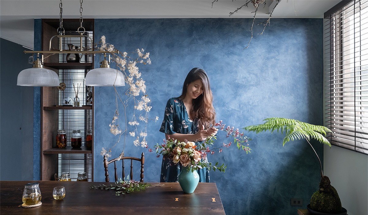 Căn hộ xanh mát vào mùa hè nhờ điểm nhấn nghệ thuật từ cây xanh của người phụ nữ độc thân - Ảnh 1.